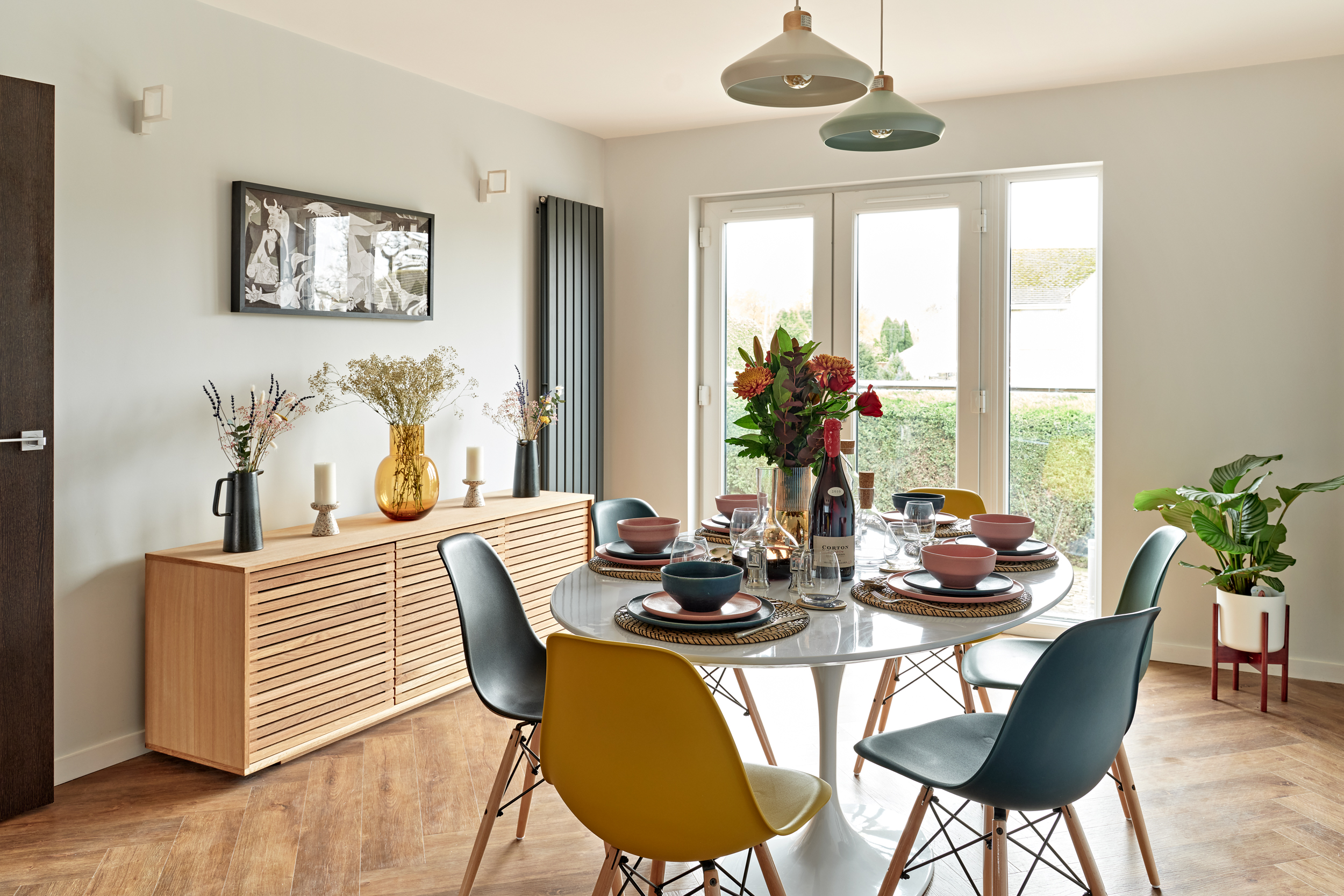Lime Grove dining with contemporary design.